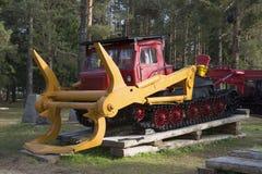 Skogsarbetare LT-65 Utställningen av skogsbrukutrustning i staden av Sharya, Kostroma region Royaltyfri Foto