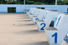 Skok do wody basenu rodzaj liczba 1 liczyć 6 Zdjęcia Royalty Free