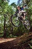 Skok na rowerze górskim Fotografia Royalty Free