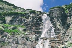 Skok vattenfall i höga Tatras Royaltyfria Bilder