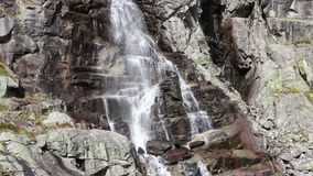 Skok-Wasserfall Vodopad Skok in hohem Tatras, Slowakei stock video