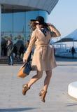 Skokowa mody dziewczyna zdjęcia stock