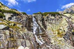 Skokwaterval in Hoge Tatras-Bergen Vysoke Tatry, Slowakije royalty-vrije stock afbeeldingen