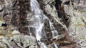 Skokwaterval Vodopad Skok in Hoge Tatras, Slowakije stock video