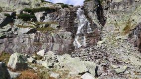 Skokwaterval Vodopad Skok in Hoge Tatras, Slowakije stock footage