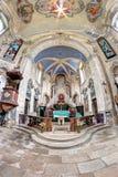SKOKY, RÉPUBLIQUE TCHÈQUE, le 27 juillet 2015 - intérieur de l'église de Images libres de droits