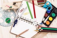 Skola brevpapper Arkivfoton