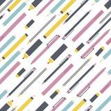 Skolabakgrund med blyertspennan, pennan och markörer seamless vektor för modell tillbaka skola till Royaltyfria Foton
