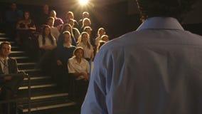 Skolapresentation av läraren lager videofilmer