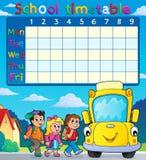 Skolaschema med elever och bussen Royaltyfria Bilder