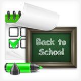 Skolasvart tavla och tuschpenna Arkivbilder