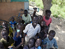 Skolbarn i södra Sudan Arkivbild