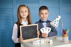 Skolbarn tillbaka skola till Royaltyfria Foton