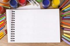 Skolbokskrivbord Arkivbild