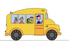 Skolbuss med barn Arkivbild