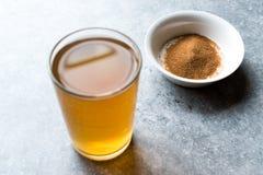 Skoncentrowany Ziołowej herbaty proszek dla żołądka Żołądkowego problemu, cytryny Doprawiających/ fotografia royalty free