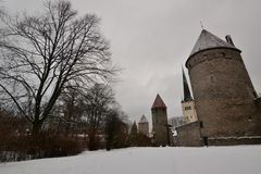 Skoonebastion, oude stadsmuren tallinn Estland stock fotografie