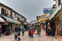 SKOPJE, DIE REPUBLIK MAZEDONIEN - 24. FEBRUAR 2018: Alter Basar-alter Markt in der Stadt von Skopje Stockfotografie