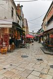 SKOPJE, DIE REPUBLIK MAZEDONIEN - 24. FEBRUAR 2018: Alter Basar-alter Markt in der Stadt von Skopje Lizenzfreie Stockbilder
