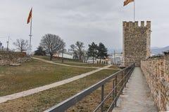 SKOPJE, DIE REPUBLIK MAZEDONIEN - 24. FEBRUAR 2018: Skopje-Festung Kohlfestung in der alten Stadt Stockbilder