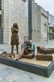SKOPJE, DIE REPUBLIK MAZEDONIEN - 24. FEBRUAR 2018: Holocaust-Museum in der Stadt von Skopje Stockfoto