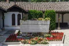 SKOPJE, DIE REPUBLIK MAZEDONIEN - 13. MAI 2017: Orthodoxe Kirche der Besteigung von Jesus und das Grab von Gotse Delchev in Skopj Stockbild