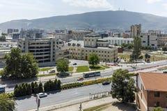 SKOPJE, DIE REPUBLIK MAZEDONIEN - 13. MAI 2017: Panorama zur Stadt von Skopje von der Festung Kohlfestung in der alten Stadt Stockfotografie