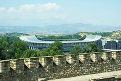 Skopje-Fußball-/-fußballstadionsansicht von der alten Festung Lizenzfreie Stockbilder