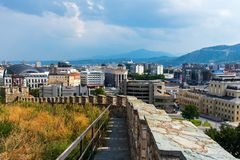 Skopje, Mazedonien - 26. August 2017: Skopje-Stadtansicht von der Festung, Hauptstadt von Mazedonien stockfotografie