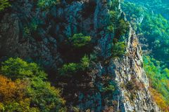 Skopje, Mazedonien, Matka-Schlucht Schöner Gebirgsnatürlicher Felsen lizenzfreies stockbild