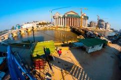 Skopje, Mazedonien - November 2011 Skopje, Mazedonien - November 2011 Bau eines Neubaus des arch?ologischen Museums lizenzfreies stockfoto