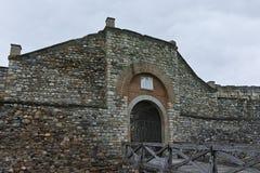 SKOPJE, A REPÚBLICA DA MACEDÔNIA - 24 DE FEVEREIRO DE 2018: Fortaleza da couve da fortaleza de Skopje na cidade velha Foto de Stock Royalty Free