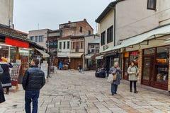 SKOPJE, A REPÚBLICA DA MACEDÔNIA - 24 DE FEVEREIRO DE 2018: Mercado velho do bazar velho da cidade de Skopje Foto de Stock