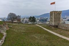 SKOPJE, REPUBLIEK VAN MACEDONIË - 24 FEBRUARI, 2018: De Boerenkoolvesting van de Skopjevesting in de Oude Stad Stock Foto's