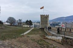 SKOPJE, REPUBLIEK VAN MACEDONIË - 24 FEBRUARI, 2018: De Boerenkoolvesting van de Skopjevesting in de Oude Stad Royalty-vrije Stock Fotografie