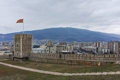 SKOPJE, REPUBLIEK VAN MACEDONIË - 24 FEBRUARI, 2018: De Boerenkoolvesting van de Skopjevesting in de Oude Stad Stock Afbeeldingen