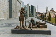SKOPJE, REPUBLIEK VAN MACEDONIË - 24 FEBRUARI, 2018: Holocaustmuseum in stad van Skopje Stock Foto