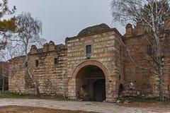 SKOPJE, REPUBLIEK VAN MACEDONIË - 24 FEBRUARI, 2018: Ruïnes van Kurshumli een binnen oude stad van stad van Skopje Stock Afbeelding
