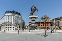 SKOPJE, REPUBLIEK VAN MACEDONIË - 13 MEI 2017: Het Centrum van de Skopjestad en Alexander het Grote Monument Stock Afbeeldingen