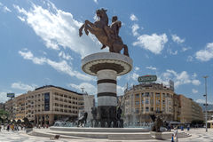 SKOPJE, REPUBLIEK VAN MACEDONIË - 13 MEI 2017: Het Centrum van de Skopjestad en Alexander het Grote Monument Stock Foto