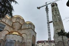 SKOPJE, republika MACEDONIA, LUTY - 24, 2018: Dzwonkowy wierza St Constantine i Elena kościół w mieście Skopje, Obraz Royalty Free