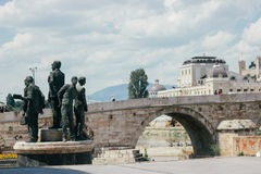Skopje - Steinbrücke stockfotografie