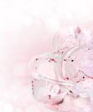 Skopor av glass i en glass bunke Fotografering för Bildbyråer