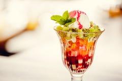 Skopor av glass, läcker efterrätt Fotografering för Bildbyråer