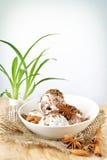 Skopor av glass med muttrar och choklad Fotografering för Bildbyråer