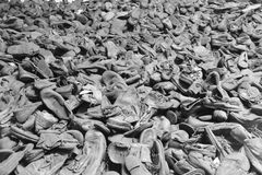 Skor av deporterat i Auschwitz Arkivbild