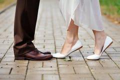 Skor brud- och brudgumdansen Fotografering för Bildbyråer