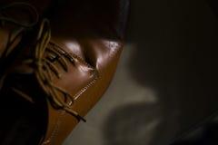 Skor för brunt för man` s, enkelt, elegant som är härliga Arkivbild