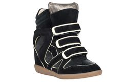 Skor Skor för kvinna` s på en vit bakgrund högvärdigt skodon Italienare brännmärkte skor Arkivfoton