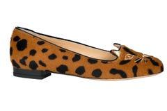 Skor Skor för kvinna` s på en vit bakgrund högvärdigt skodon Italienare brännmärkte skor Royaltyfri Bild